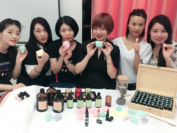 首脑学院2017年新一期芳香美容课程圆满结束