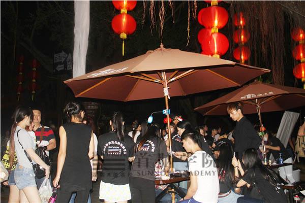 宝安校区化妆Party在锦绣中华盛开