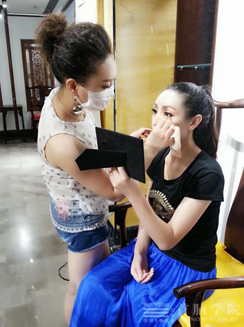 化妆学校化妆造型