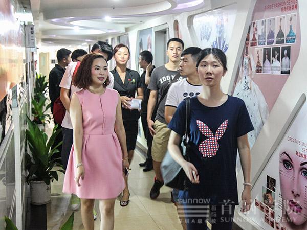深圳首脑学校
