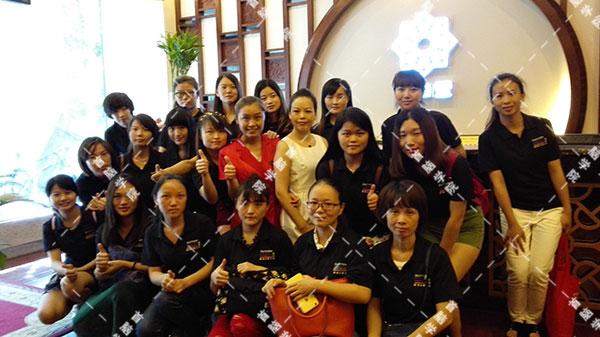 龙华校区美容高级班学员观摩香蜜湖珍草堂美容会所