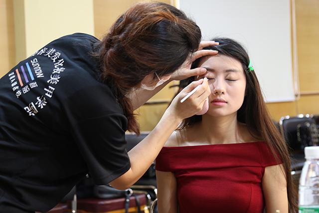 首脑学院助力深圳最美星女郎评选大赛