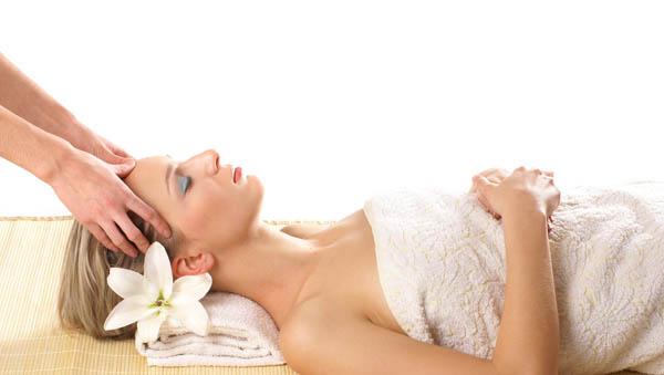 中医按摩的保健作用--美容按摩法 足疗