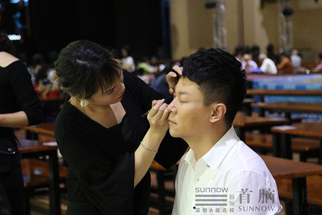 化妆师培训