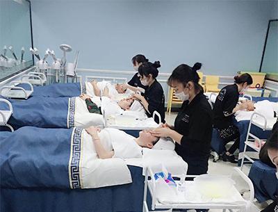 深圳学美容要多少钱?一般要学习多久时间
