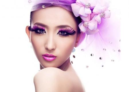 想学化妆技术?如何选择化妆培训学校