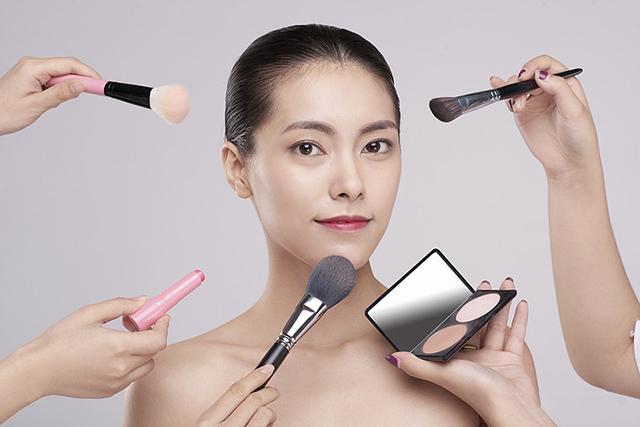 深圳学化妆
