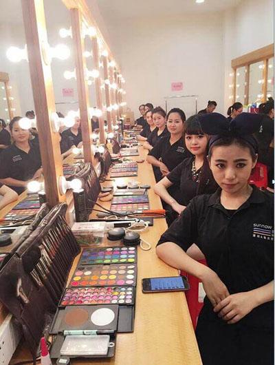 国内有哪些化妆培训学校