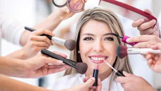 零基础选择化妆学校