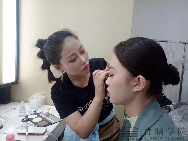 深圳化妆培训学校