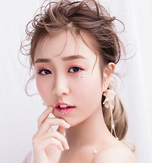 深圳学化妆的学费一般多少钱