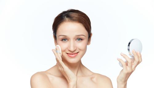 学化妆要到优秀的化妆学校学