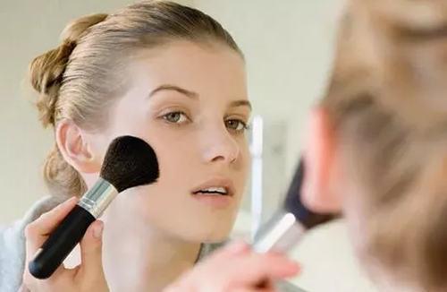 专业化妆的正确步骤